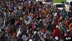 Karavai i migrantëve që është nisur drejt SHBA-së...