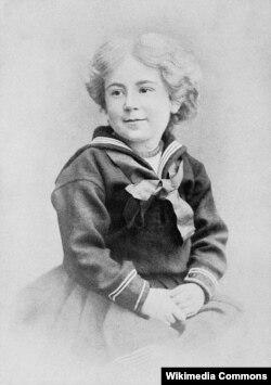 Daisy Ashford.uşaq yaşlarında