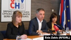 Premijer Andrej Plenković osudio je napad na Pupovca, predsjednica republike nije (Foto: Milorad Pupovac u sredini)
