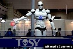 Yaponiya - TOPIO tennis oynaya bilən humanoid robotdur, 2009