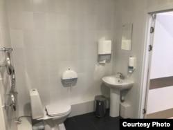 Ванная комната в больнице в Коммунарке