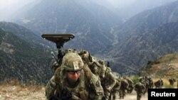 Ауғанстанда әскери жорықта жүрген АҚШ сарбаздары. 26 тамыз 2011 жыл.