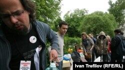 Лагерь оппозиция на Чистых прудах в Москве