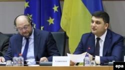 Голова Європарламенту Мартін Шульц (л) і голова Верховної Ради України Володимир Гройсман під час відкриття «Українського тиждня» в Європарламенті, Брюссель, 29 лютого 2016 року