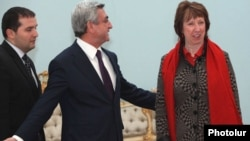 Armenia - President Serzh Sarkisian meets EU foreign policy chief Catherine Ashton in Yerevan, 16Nov2011.