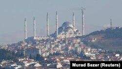 Türkmen migrant zenanyny atyp öldürmekde şübhe bildirilýän tutuldy