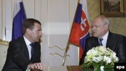 Президенты России и Словакии на встрече в Братиславе