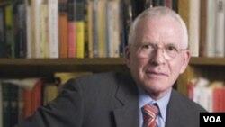 Историк Роберт Геллайтли, профессор Университета Флориды