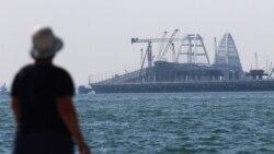 По мосту с ветерком: сколько туристов в Крыму?