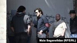 У грузинских неонацистов есть свое боевое крыло, которое они называют «чернорубашечниками»
