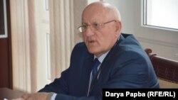 По словам Бориса Чолария, в результате затопления здания библиотеки 23 августа пострадало 800 наименований книг