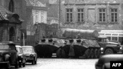 Советские войска в Праге в январе 1969 года