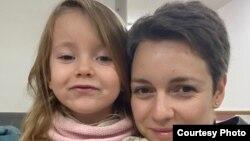 Ангелина и ее дочка