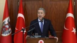 حلوصی آکار، وزیر دفاع ترکیه