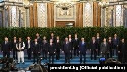 ШКУ саммитине катышып жаткан лидерлер. Дүйшөмбү шаары, Тажикстан. 17-сентябрь, 2021-жыл.