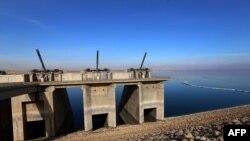 Мосульская плотина, в 50 километрах от города Мосул
