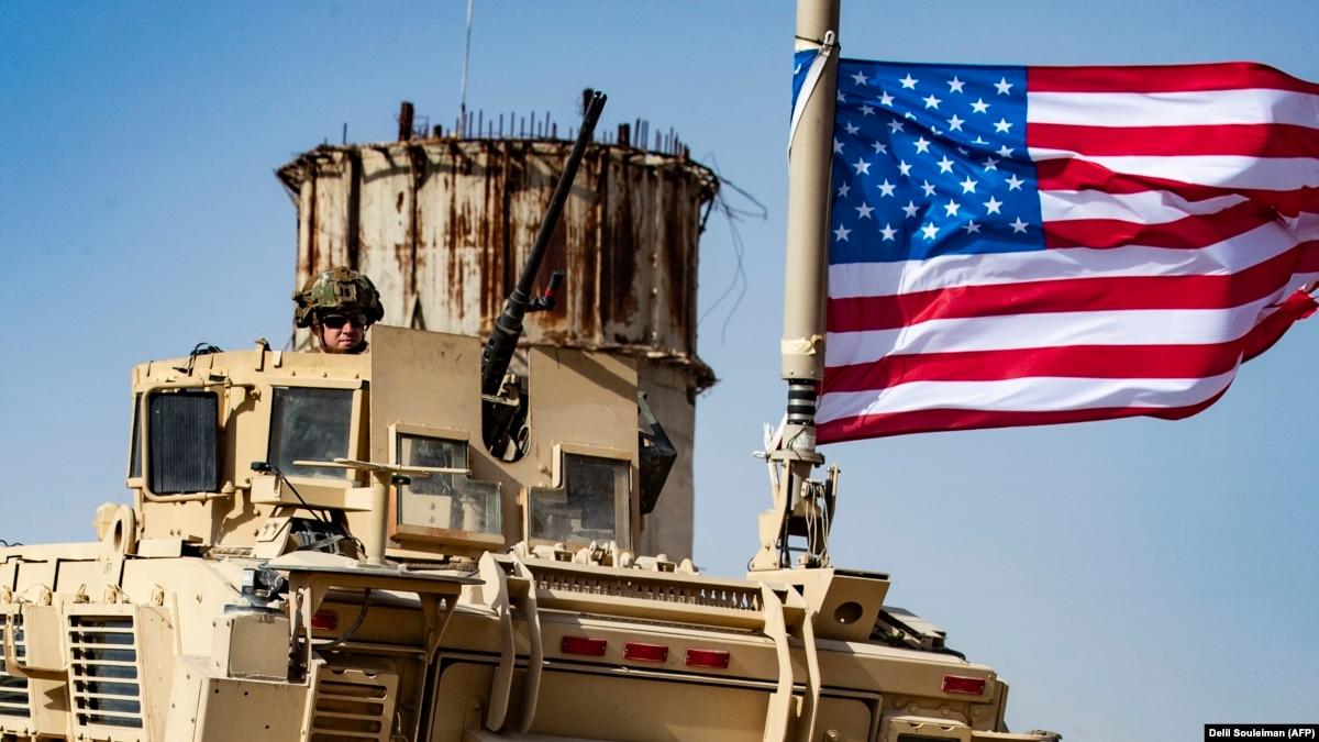 Военный и два контрактники США загтнули в результате нападения боевиков в Кении