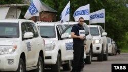 Иллюстративное фото. Машины миссии ОБСЕ на Донбассе