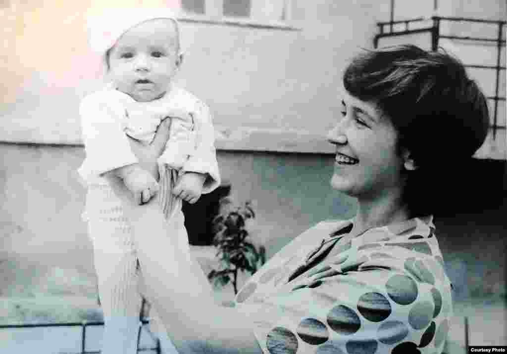 Fiul Grant în vârstă de două luni. Chișinău, 1972