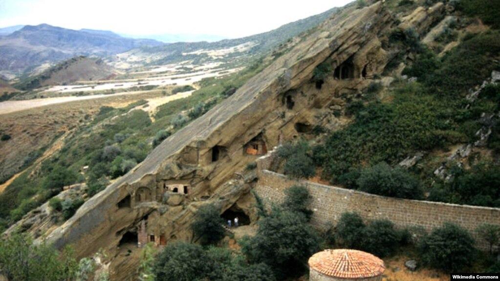 Azerbaijan, Georgia Agree On Access To Border Monastery