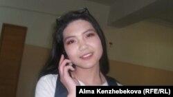 Мектеп оқушысы Әлима Әбдіхалық. Алматы, 16 мамыр 2014 жыл.