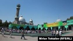 Центральная мечеть в Бишкеке.