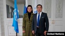 Манижа (Манижа Сангин) и глава представительства УВКБ ООН в России Ванно Нупек