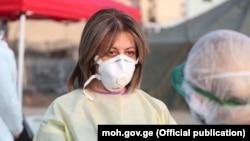 ჯანდაცვის მინისტრი უცხოური წარმოების პირბადით (საარქივო ფოტო)