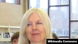 Helen Dunmore-ın şeirlərinə Costa Kitab mükafatı yazıçının ölümündən sonra verilib