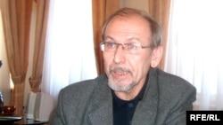 Дамир Исхаов