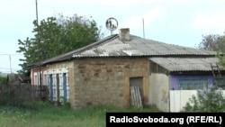 В поселке – много заброшенных домов