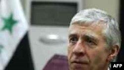 Жек Стро Британиянын тышкы иштер катчысы кезинде Иракка иш сапар менен барган. 2006-жылдын 7-январы. Багдад сыналгысына маек куруп жаткан кези.