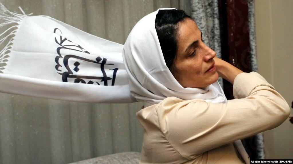 هجوم مأموران وزارت اطلاعات به خانه نسرین ستوده