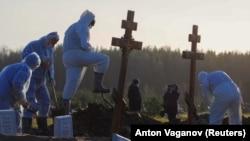 На могілках у Санкт-Пецярбургу