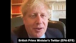 Голова уряду Великої Британії Боріс Джонсон керує країною із самоізоляції. 27 березня 2020 року