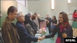 Dodjela diploma prvoj generaciji studenata Univerziteta u Sarajevu koji su završili studij prema Bolonjskom procesu.