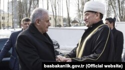 Бинали Йылдырым (с) һәм Әбүбәкер Шабанович
