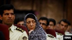 نازک افشار، کارمند سابق بخش فرهنگی سفارت فرانسه در جریان دادگاه پس از اعتراضات سال ۸۸