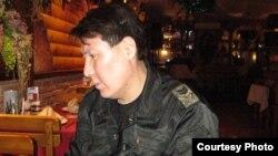 2009-жылы кол салууга кабылып, Кыргызстандан чыгып кеткен журналист Сыргак Абдылдаев азырынча мекенине кайтууну каалабайт.