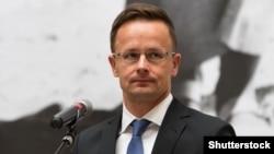 Szijjártó Péter külügyminiszter Varsóban 2017-ben.