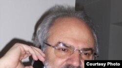 حمید نفیسی، استاد دانشگاه در آمریکا
