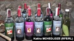 """Вино - одна из """"достопримечательностей"""" Грузии. Как торговую марку некоторые производители используют даже Сталина"""