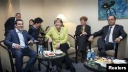 Aleksis Cipras, Angela Merkel i Fransoa Oland