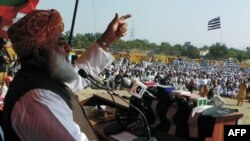 Pakistani politician Maulana Fazlur Rehman is known for his pro-Taliban and anti-U.S. views (file photo)