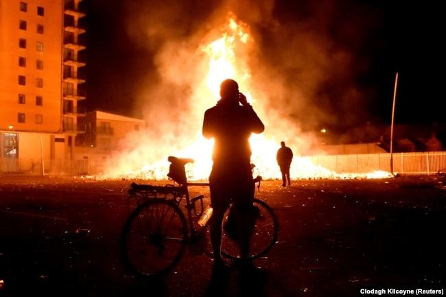 Trazira në Belfast më 2017.