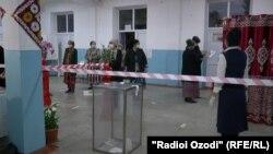Гласање на претседателските избори во Таџикистан