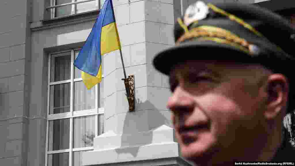 Роман Калапач, продовжувач традицій УПА, політв'язень. У серпні 1972 року разом із друзями у місті Стебнику він зняв радянські прапори і замінив їх на синьо-жовті, за що отримав за статтею 62-ю (антирадянська агітація та пропаганда) три роки таборів