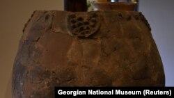 Gürjüstanyň Milli muzeýindäki gadymy çakyr küýzesi, Tbilisi