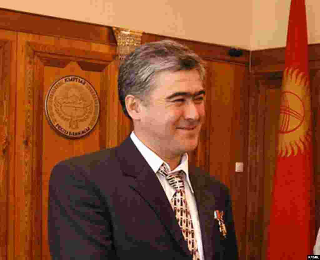 Генпрокуратура: Кадыржан Батыров переписал свою собственность на Салижана Шарипова.