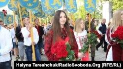 """Марш во Львове, посвященный годовщине создания украинской дивизии СС """"Галичина"""". 27 апреля 2014 года."""